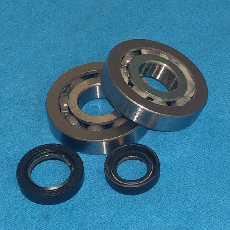 Come with Special Narrow Bearings and High Quality Oil Seals.